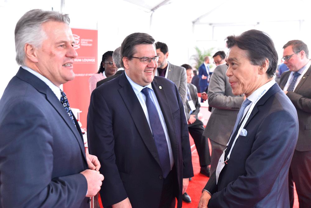 From left to right: Laurent Lessard, Québec Minister of Transport; Denis Coderre, Mayor of Montréal; Masaki Ogata, UITP President